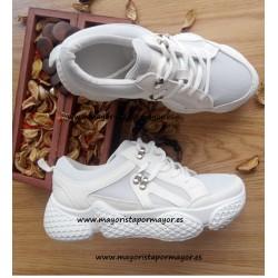 Zapatillas sneakers blancos...